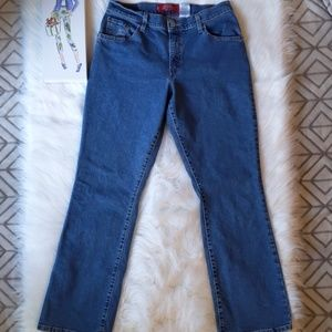 🧡Levi's 550 Mid-Rise Boot Cut Jeans